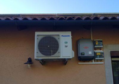 Panasonic hőszivattyú. Napelem által megtermelt energiával gazdaságosan fűti ki a családi házat -20 *C -ig.