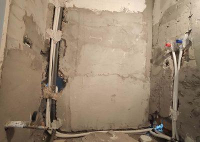 Fürdőszoba víz, szennyvíz alapszerelése fektetett bojler kiállás